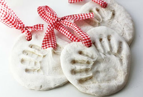 christmas-crafts-handprint-ornaments