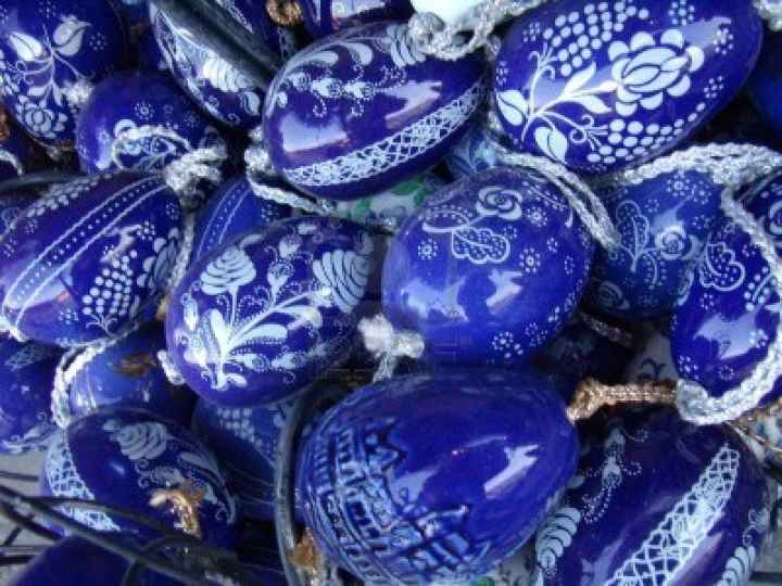 2597015-hungarian-folk-art-painted-easter-eggs